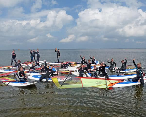 Schulreisen Surfhostel: Surfergruppe