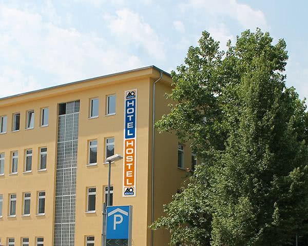 Abschlussfahrt A&O Hostel Stuttgart City- Außenansicht