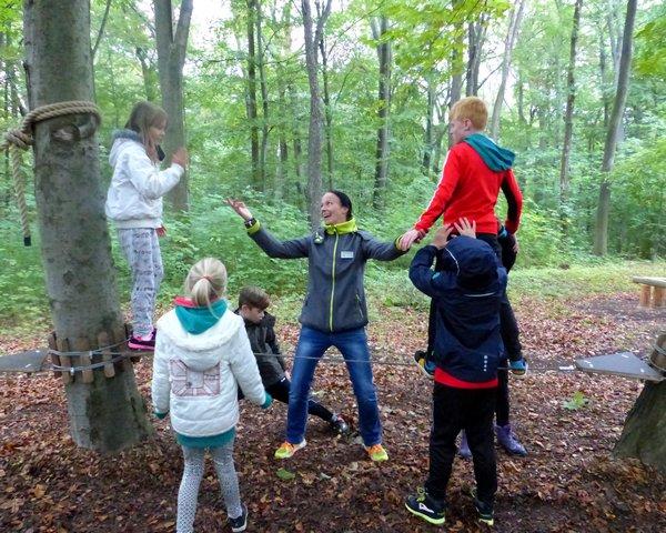 Sportaktivitäten in Thüringen: Balance auf der Slackline