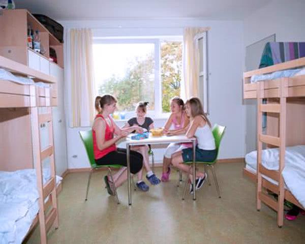 Schülerfahrt Jugendherberge Wolfsburg- Zimmerbeispiel