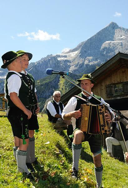 Klassenreisen Garmisch-Partenkirchen: Almsingen