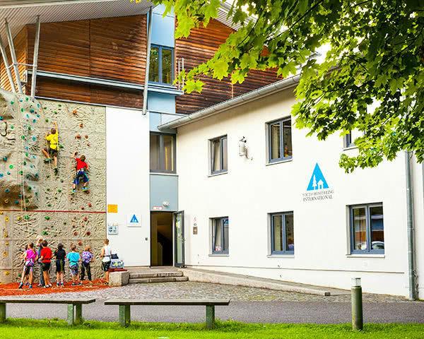 Abschlussreise Jugendherberge Garmisch-Partenkirchen: Außenansicht