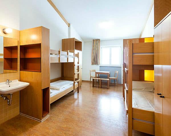 Klassenfahrten Jugendherberge Garmisch-Partenkirchen- Zimmerbeispiel