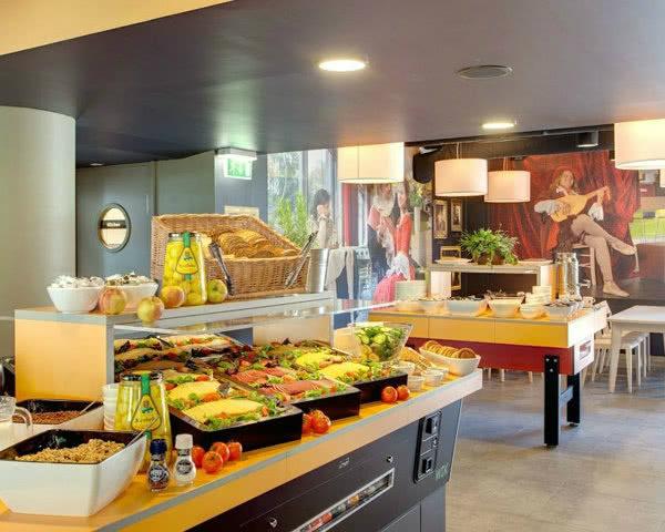 Klassenfahrt Amsterdam - Frühstücksbuffet Meininger Hotel
