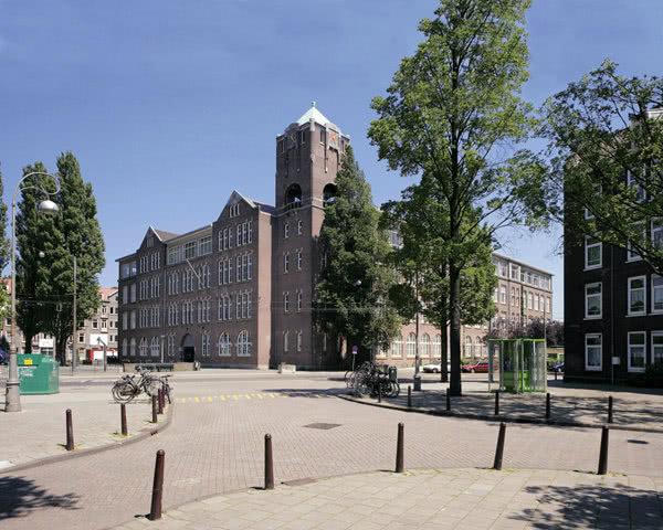 Studienreise Stayokay Amsterdam Zeeburg: Außenansicht