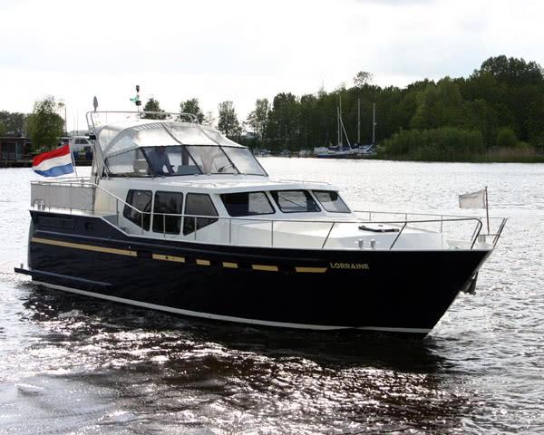 Schulfahrt Hausboottour Friesland- Hausbootbeispiel