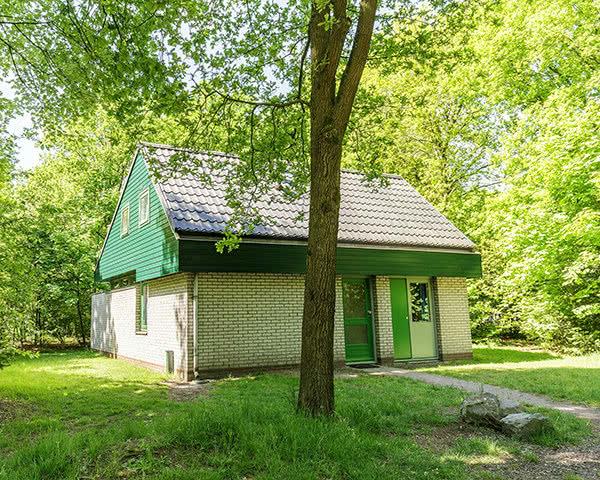 Abschlussreise Centerparcs Limburgse Peel: Außenansicht Unterkunft