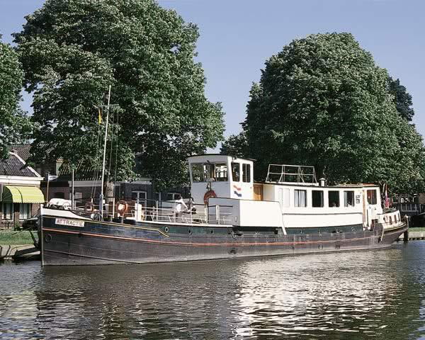Kursfahrt Motorboot- Außenansicht