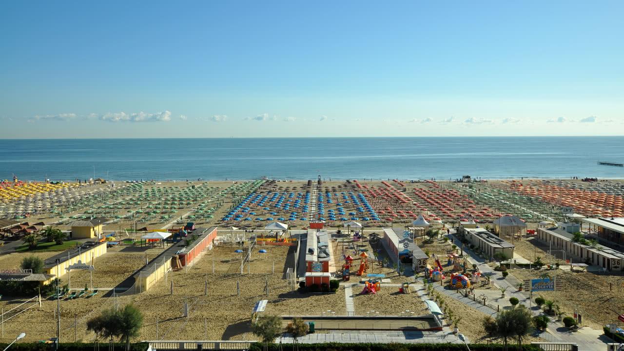 Strand von Rimini am Morgen
