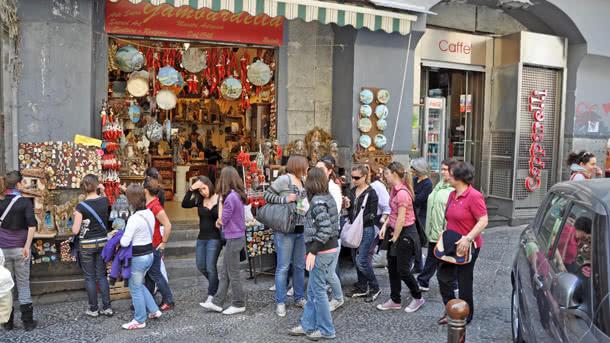 Straßenszene in Neapel