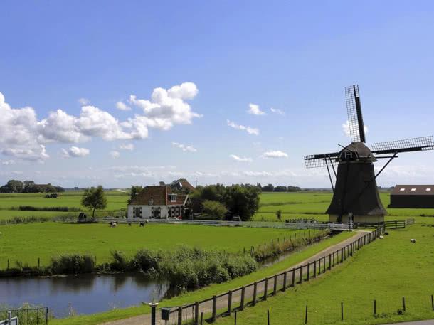 typisch Holland – Windmühle in Holland