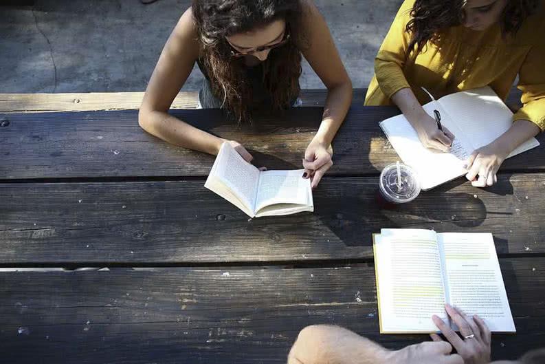 Schulaufgaben auf Klassenfahrt